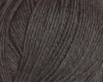 Clearance Charcoal Cascade 220 Superwash Yarn 220 yards 100% SuperWash Wool color 900