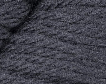 Gris Cascade 220 Yarn 220 yards 100% Peruvian Highland Wool color 9473