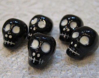 Skull Beads Black Peruvian Ceramic Skull Beads with White Features and Large Vertical Holes 16mm 10 Beads