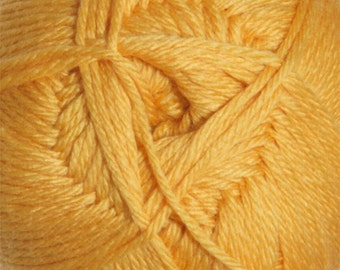 Honey Gold Cascade Pacific 213 yards Merino Wool and Acrylic Yarn color 109