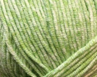 Clearance Vibrant Green Cascade Sarasota Cotton and Acrylic Tweed Yarn color 05