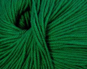 Clearance Christmas Green Cascade 220 Superwash Yarn 220 yards 100% SuperWash Wool color 864