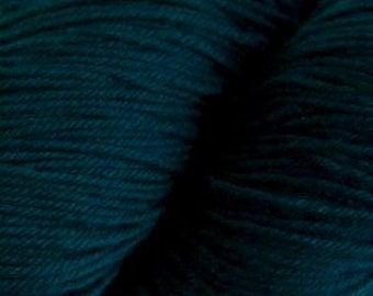 Spruce Green Cascade Heritage Yarn 437 yards Super Fine Wool Nylon Sock Yarn Color 5654