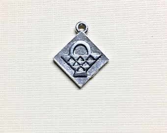 Quilt Block Silver Plated Charm Pendant Basket Quilting Block 17mm x 20mm Made in the USA One charm