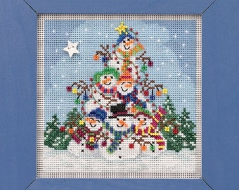 "Mill Hill Snowman Pile Buttons and Beads Winter Series All Materials and Instructions 5.25"" x 5.25"""