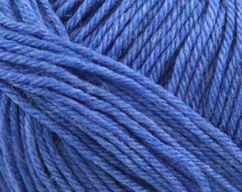 Sapphire Heather Cascade 220 Superwash Yarn 220 yards 100% SuperWash Wool color 1951
