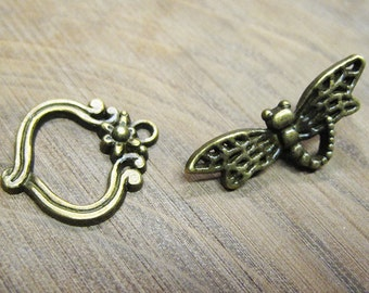 Whimsical Dragonfly Toggle Clasp Antique Bronze Tone Clasps 22mm x 19mm with 29mm Bar 5 clasps F284A