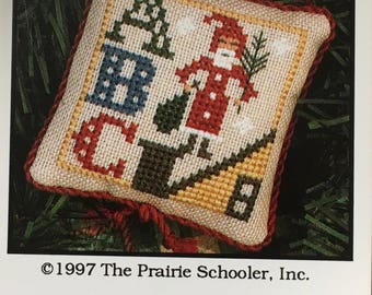 Santa ABC Mini Cross Stitch Sampler Pattern The Prairie Schooler 1997