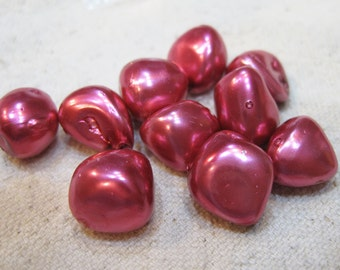 Clearance 10 Bright Pink Fuchsia Pearlized Mother of Pearl Nugget Beads 12mm to 14mm