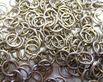 60 Antique Brass Plated Brass 8mm Unsoldered Jump Rings 18 ga F104