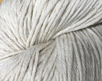 Limestone Mirasol Huni 219 yards Worsted Weight 100 grams 100% Fine Peruvian Highland Wool color 1004