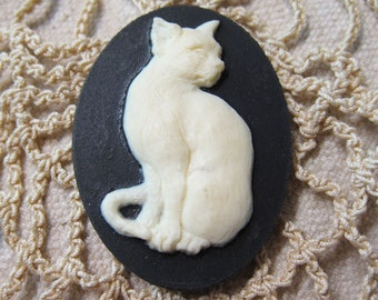 Sitting Pretty White Kitty Acrylic Black Cameo Jewelry Cabochon Pendant 40mm x 30mm