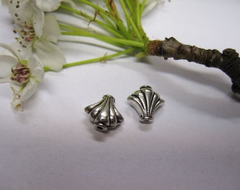 10 Antique Silver Pewter Fan Shaped Beads Scalloped Edges 9x10mm 10 pcs F313