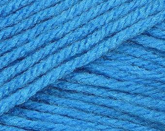 Clearance Curacao Blue Cascade Anthem Yarn 186 yards 100% Acrylic Color 31