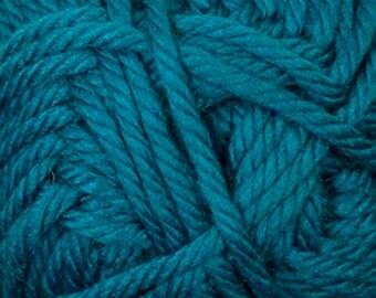 Cherub Super Bulky Incredibly Soft Cyan Blue Cascade Yarn 131 yards Acrylic Nylon Blend Color 89