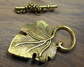 Clearance 10 Antique Gold Large Grape Leaf Toggle Clasps 37mm x 23mm with 25mm Grape Clustered Bar F295