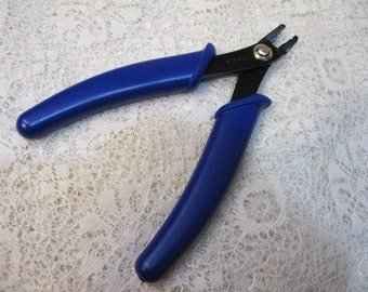 Beadsmith Standard Crimp Pliers Professional Quality for Standard 2x2mm Crimp Tubes