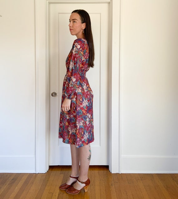 70s lightweight red floral polyester dress - image 5