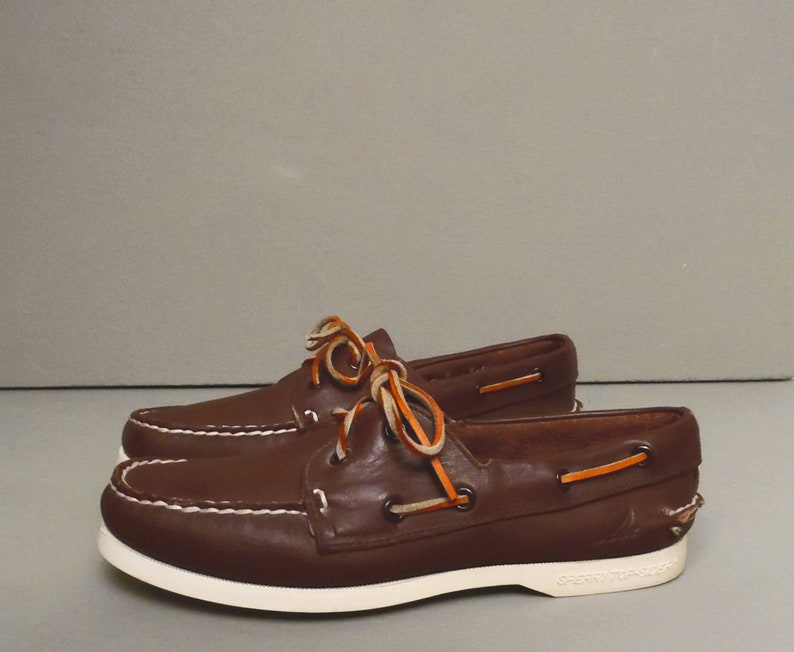 599d261d246 Vintage SPERRY TOPSIDERS   90 s boat shoes   leather