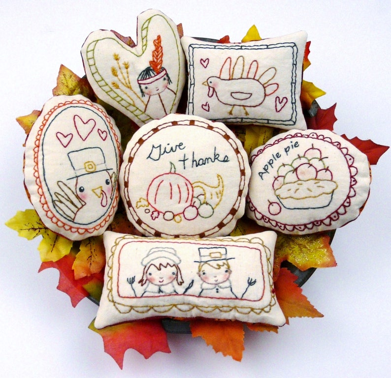 Give Thanks Ornaments embroidery Pattern PDF  turkey prim image 0