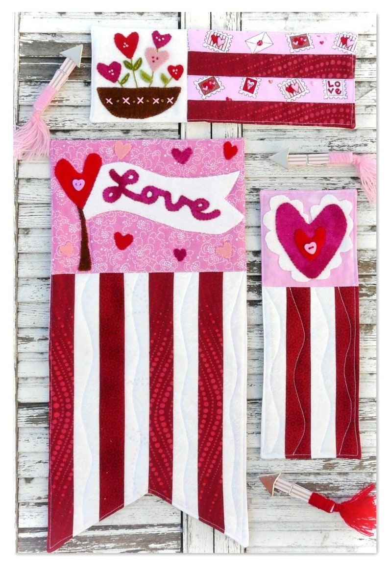 Prim Valentine mini quilt pattern PDF  3 designs wool image 0