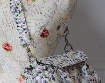 Medium Padded Camera Bag with Adjustable Messenger Strap Feather Fabric DSLR Digital Camera
