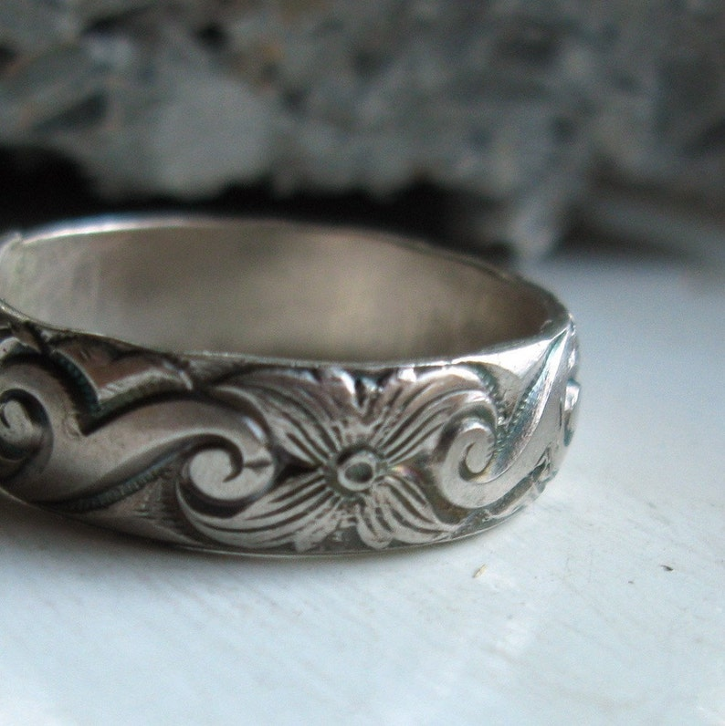 Bold sterling silver pattern band ring image 0