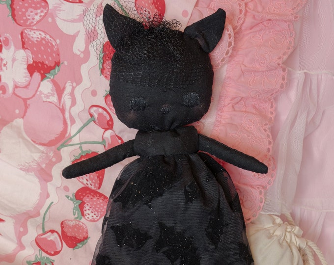 J-Fashion Black Embroidered Cloth Boudoir Doll - Lilith