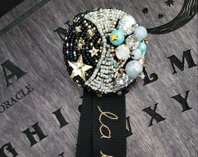 Lolita J-Fashion Alt Embroidered Moon Brooch - La Lune