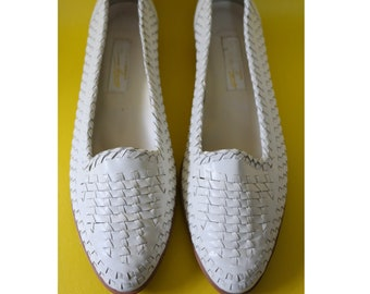 80's white woven leather flats shoes 10