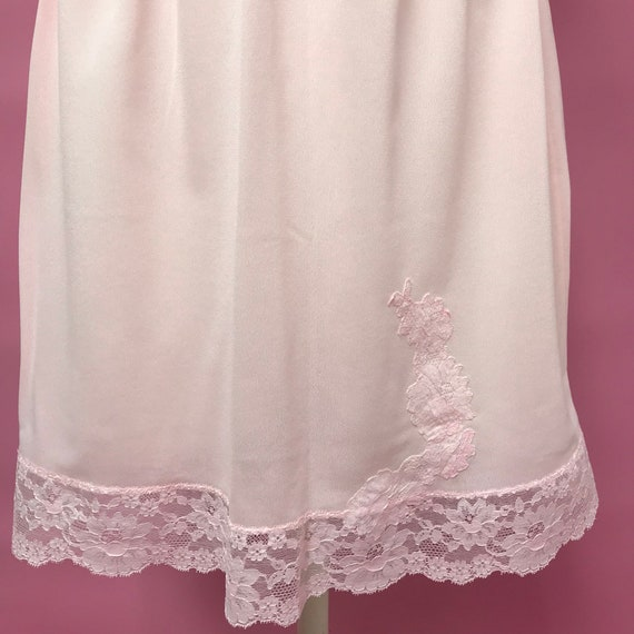 1960s Van Raalte Pale Pink Nylon Lace Full Slip