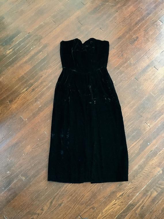 1950s Velvet Strapless Hourglass Dress