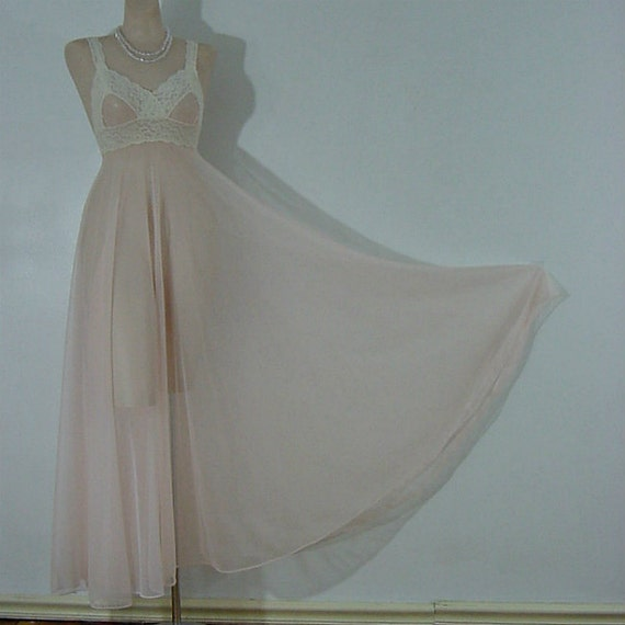 70s Sheer Sweeping Chiffon Miss Elaine Gown    Sma