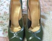 Vintage 50s De Liso Debs Green leather shoes heels 8