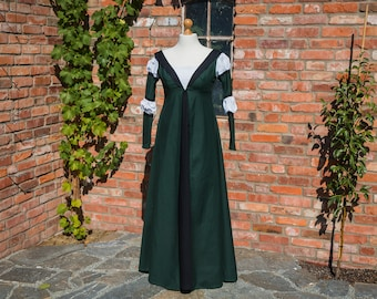 renaissance costume dress up for women, 15th century gown historical clothing, Size M green and black cotton one piece for theater or larp