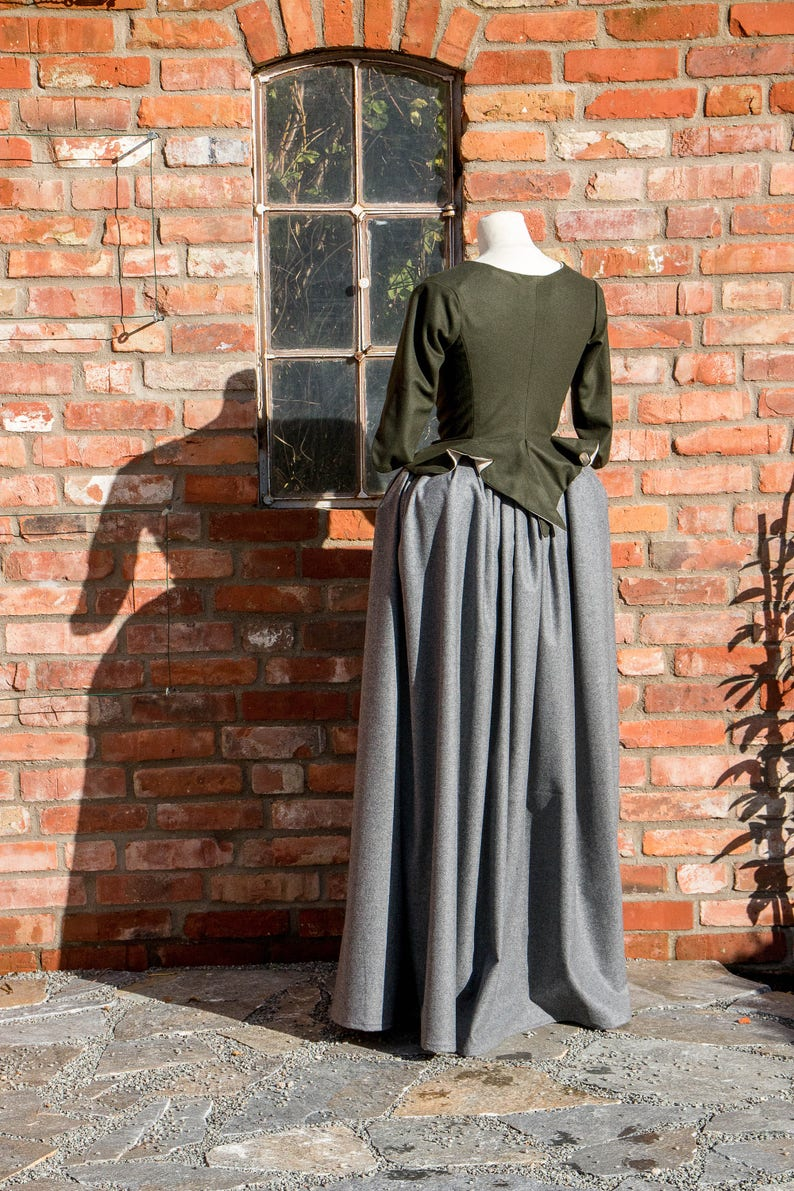 c06615e07e23 Claire Fraser cosplay dress, movie cosplay, claire cosplay dress, 18th  century clothing, claire costume, cosplay costume, costumes for women