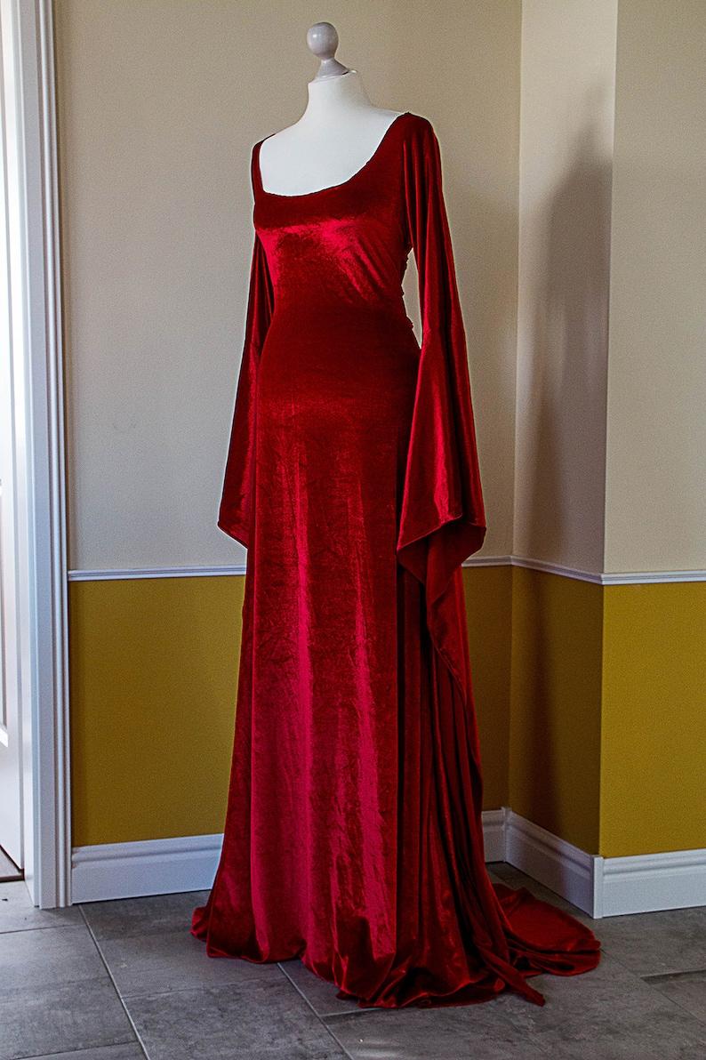 Rote Priesterin