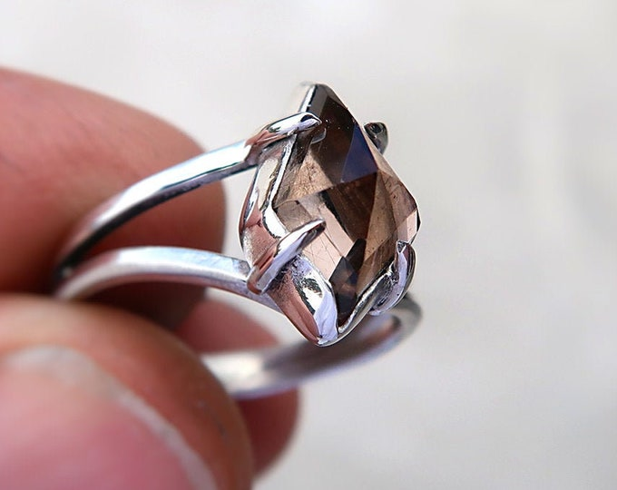Smokey Quartz Claw Prong Sterling Silver Ring in size 7