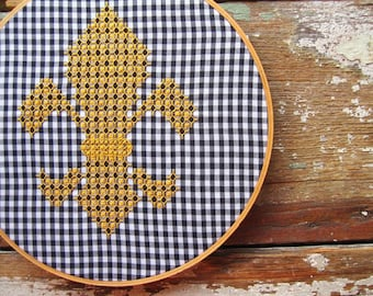 Fleur de Lis Chicken Scratch Gingham Embroidery Pattern and Tutorial