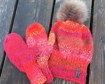 Child's Hat & Mitten Set with Faux Fur Pompom