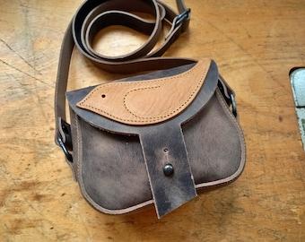 WARBLE Bag #4382, Leather messenger bag. Handmade in England.