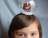 Snowglobe Headband Santa Headband Hair Accessory Snow Holiday Hair Band Christmas Tree Snow Winter Presents Tree Scene Xmas Snow Globe