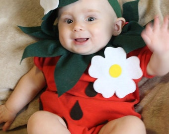 Baby costume strawberry costume halloween costume infant etsy baby diy strawberry do it yourself baby costume halloween costume strawberry costume solutioingenieria Gallery
