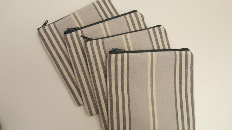 Sale Grey stripe pouch