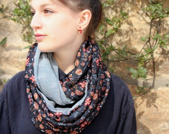 Stole-shawl Snood Navy flowers and striped Viscose chiffon