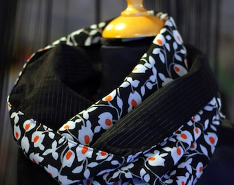 Doudou collar/scarf, white-black-orange flowers and black striped silver interior