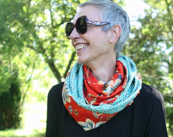 Infinite scarf or female stole Red orange with large flowers and Green Mint small white spots . Tartine de Laine