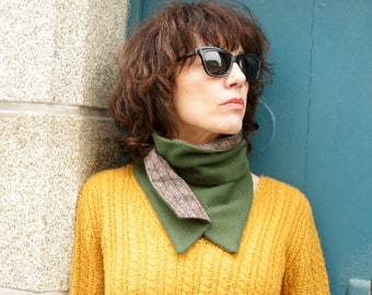 Button collar, scarf-collar. Green wool and violet-Blue iridescent collar. Tartine de Laine