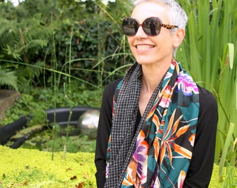 Infinite scarf or stole woman Foliage orange-green-purple and gridded black and white. original infinite scarf. Tartine de Laine