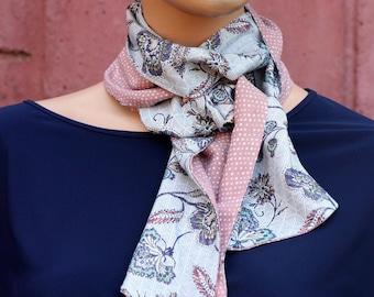 Foulard Lavallière femme Fleurs Quadrillé et Rose Tendre, couleurs Pastels . Tartine de Laine Lavallière foulard été en coton